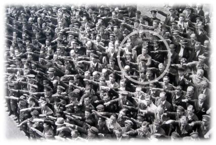 August Landmesser 13 June 1936